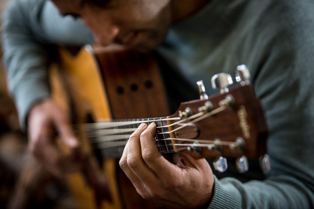 hoe leer je gitaarspelen